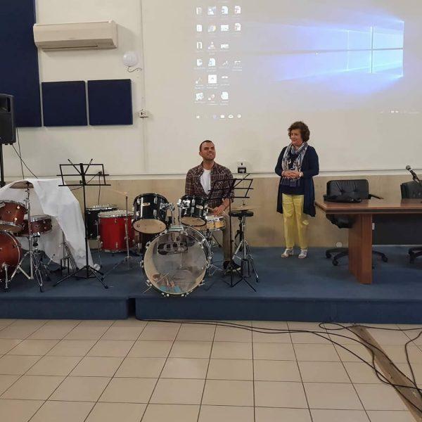 daniele-cassioli-suona-la-batteria